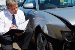 When to Hire a Car Wreck Lawyer